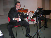 presso il Centro Congressi Marconi, il Concerto del Quintetto Caravaglios (al violino il maestro Massimiliano Ramo) (5) - 28 dicembre 2007   - Alcamo (1064 clic)