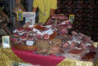 Cous Cous Fest 2007 - Expo Village - itinerario alla scoperta dell'artigianato, del turismo, dell'agroalimentare siciliano e dei Paesi del Mediterraneo: salumi di Camporeale (PA) - 28 settembre 2007    - San vito lo capo (891 clic)