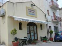 pranzo al Ristorante del Golfo (da Liborio - specialità pesce) - via Segesta, 153 - 7 maggio 2006  - Castellammare del golfo (2069 clic)