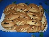 Cudduredde - Dolci con marmellata di fichi, caratteristici delle festività natalizie, ma che ormai si possono acquistare tutto l'anno - 6 gennaio 2005  - Alcamo (11330 clic)