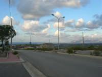 c/da Sasi: zona industriale di Alcamo ed il panorama a nord, fino al golfo di Castellammare - 8 ottobre 2007   - Alcamo (1228 clic)