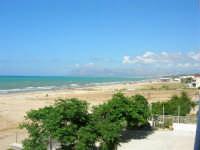 La spiaggia da Contrada Canalotti verso Balestrate - 3 luglio 2005  - Alcamo marina (4489 clic)
