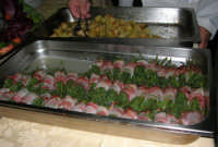 Baglio Abbate: si sta per servire il contorno (fagiolini e patate)! - 22 luglio 2006  - Balestrate (8222 clic)