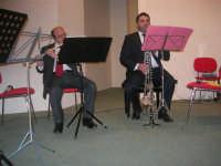 presso il Centro Congressi Marconi, il Concerto del Quintetto Caravaglios (maestri: Michele Lentini al flauto e Francesco Triolo al clarinetto) (6) - 28 dicembre 2007   - Alcamo (1095 clic)