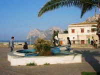 monumento dedicato al pescatore - 25 aprile 2007  - Isola delle femmine (1030 clic)
