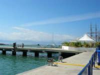 America's Cup - Vista sul porto ed alberi dell'Amerigo Vespucci - 2 ottobre 2005  - Trapani (1854 clic)