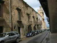 Via Rossotti - Palazzo del Barone Rossotti - Chiesa di SS. Salvatore e Monastero del'ordine di S. Benedetto detto Badia Grande - 25 febbraio 2006  - Alcamo (2727 clic)