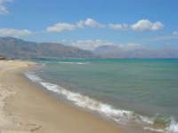 da zona Canalotto: guardando verso Castellammare del Golfo - 4 settembre 2007  - Alcamo marina (1171 clic)