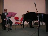 presso il Centro Congressi Marconi, il Concerto del Quintetto Caravaglios (maestri: Francesco Triolo al clarinetto ed Arcangelo Gruppuso al pianoforte) (7) - 28 dicembre 2007   - Alcamo (972 clic)