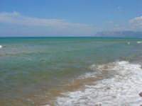 da zona Canalotto: il mare, guardando verso Punta Raisi - 4 settembre 2007  - Alcamo marina (937 clic)