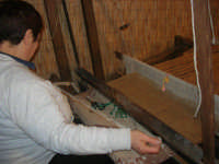 Cene di San Giuseppe - lavoro al telaio - 15 marzo 2009   - Salemi (2378 clic)
