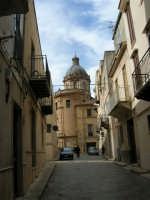 Via Madonna dell'Alto - Cupola della Basilica di Santa Maria Assunta - 25 febbraio 2006   - Alcamo (1239 clic)