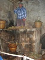 Il Presepe Vivente di Custonaci nella grotta preistorica di Scurati (grotta Mangiapane) (250) - 26 dicembre 2007   - Custonaci (2219 clic)