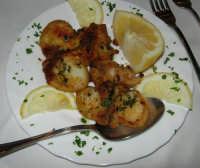 pranzo al Ristorante del Golfo (da Liborio - specialità pesce) - via Segesta, 153 -: seppie impanate - 7 maggio 2006  - Castellammare del golfo (2566 clic)