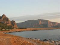 Macari - La costa, il mare ed i monti - 5 luglio 2005  - San vito lo capo (3106 clic)