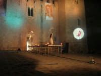 Festeggiamenti Maria SS. dei Miracoli - La Festa del Paradiso - L'Assalto al Castello - Piazza Castello - 20 giugno 2008   - Alcamo (526 clic)