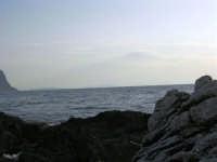 Dagli scogli di Macari le Isole Egadi - 5 luglio 2005  - San vito lo capo (1570 clic)
