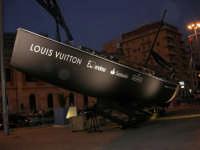 In occasione della Trapani Louis Vuitton Acts 8 & 9 - Barca in mostra al porto - 1 ottobre 2005  - Trapani (2127 clic)