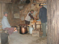 Il Presepe Vivente di Custonaci nella grotta preistorica di Scurati (grotta Mangiapane) (104) - 26 dicembre 2007   - Custonaci (1444 clic)