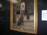 stazione ferroviaria - visita a IL TRENO DELL'ARTE -  Museo per un Giorno - Noè Bordignon - Donna con bambino in chiesa - (44) - 13 ottobre 2007  - Trapani (1927 clic)