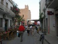 Cous Cous Fest 2007 - In fondo alla strada, la Chiesa di San Vito - 28 settembre 2007      - San vito lo capo (967 clic)