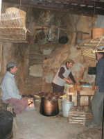 Il Presepe Vivente di Custonaci nella grotta preistorica di Scurati (grotta Mangiapane) (105) - 26 dicembre 2007   - Custonaci (1132 clic)