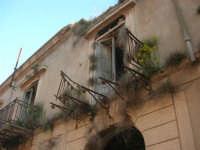 ruderi del paese distrutto dal terremoto del gennaio 1968 - 2 ottobre 2007   - Poggioreale (651 clic)