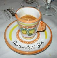 pranzo al Ristorante del Golfo (da Liborio - specialità pesce) - via Segesta, 153 -: per finire un buon caffè! - 7 maggio 2006  - Castellammare del golfo (2186 clic)