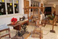 Museo etno-antropologico presso l'Istituto Comprensivo A. Manzoni (2)- 20 dicembre 2007  - Buseto palizzolo (1166 clic)