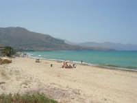zona Magazzinazzi - domenica al mare - 6 luglio 2008   - Alcamo marina (698 clic)