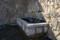 Santuario della Madonna del Ponte - fontana - 5 ottobre 2008   - Partinico (1554 clic)