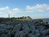 costa rocciosa e faro - 20 maggio 2007  - San vito lo capo (769 clic)