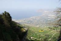 Panorama del litorale da Pizzolungo a Bonagia, a Cornino e monte Cofano - 1 maggio 2008   - Erice (852 clic)
