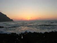 rapiti da un tramonto sul Golfo del Cofano (9) - 2 settembre 2007   - San vito lo capo (758 clic)