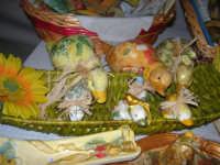 esposizione di oggetti dell'artigianato locale nei pressi del Presepe Vivente di Custonaci nella grotta preistorica di Scurati (grotta Mangiapane) (1) - 26 dicembre 2007    - Custonaci (1349 clic)