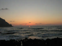 rapiti da un tramonto sul Golfo del Cofano (14) - 2 settembre 2007   - San vito lo capo (760 clic)