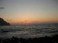 rapiti da un tramonto sul Golfo del Cofano (15) - 2 settembre 2007   - San vito lo capo (657 clic)