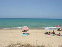 zona Magazzinazzi - domenica al mare - 6 luglio 2008   - Alcamo marina (780 clic)