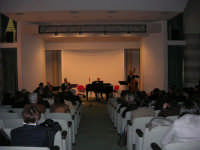presso il Centro Congressi Marconi, il Concerto del Quintetto Caravaglios (maestri: Massimiliano Ramo al violino, Michele Lentini al flauto, Francesco Triolo al clarinetto, Arcangelo Gruppuso al pianoforte ed Antonello Camporeale al contrabbasso) (15) - 28 dicembre 2007   - Alcamo (1050 clic)