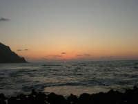 rapiti da un tramonto sul Golfo del Cofano (17) - 2 settembre 2007   - San vito lo capo (764 clic)