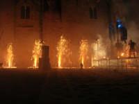 Festeggiamenti Maria SS. dei Miracoli - La Festa del Paradiso - L'Assalto al Castello - Piazza Castello - 20 giugno 2008   - Alcamo (596 clic)