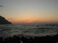 rapiti da un tramonto sul Golfo del Cofano (18) - 2 settembre 2007   - San vito lo capo (712 clic)