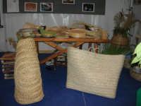 Cous Cous Fest 2007 - Expo Village - itinerario alla scoperta dell'artigianato, del turismo, dell'agroalimentare siciliano e dei Paesi del Mediterraneo - manufatti artigianali dalla Riserva Naturale Orientata Zingaro - 28 settembre 2007   - San vito lo capo (1013 clic)