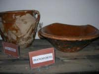Museo etno-antropologico presso l'Istituto Comprensivo A. Manzoni (9)- 20 dicembre 2007  - Buseto palizzolo (859 clic)