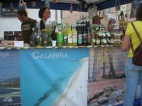 Cous Cous Fest 2007 - Expo Village - itinerario alla scoperta dell'artigianato, del turismo, dell'agroalimentare siciliano e dei Paesi del Mediterraneo - FestCalabriainGola: prodotti tipici calabresi - 28 settembre 2007       - San vito lo capo (828 clic)