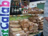 Cous Cous Fest 2007 - Expo Village - itinerario alla scoperta dell'artigianato, del turismo, dell'agroalimentare siciliano e dei Paesi del Mediterraneo - FestCalabriainGola: prodotti tipici calabresi - 28 settembre 2007       - San vito lo capo (838 clic)