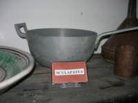 Museo etno-antropologico presso l'Istituto Comprensivo A. Manzoni (13)- 20 dicembre 2007  - Buseto palizzolo (866 clic)