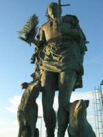 al porto la statua di San Vito Martire, a protezione dei pescatori  - 20 maggio 2007  - San vito lo capo (1295 clic)