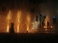 Festeggiamenti Maria SS. dei Miracoli - La Festa del Paradiso - L'Assalto al Castello - Piazza Castello - 20 giugno 2008   - Alcamo (618 clic)