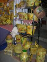 Cous Cous Fest 2007 - Expo Village - itinerario alla scoperta dell'artigianato, del turismo, dell'agroalimentare siciliano e dei Paesi del Mediterraneo - prodotti artigianali realizzati a mano - 28 settembre 2007   - San vito lo capo (817 clic)